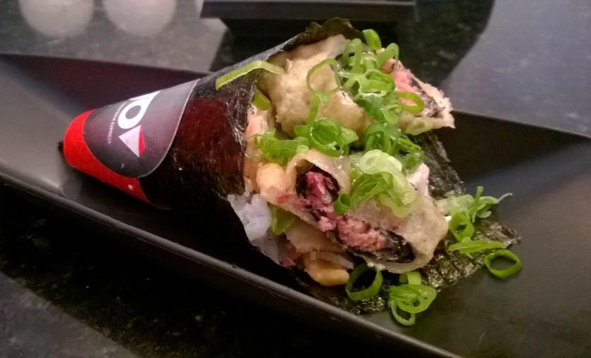 Hot Filadélfia: salmão empanado com cream cheese, de R$16 por R$10 na hora do almoço