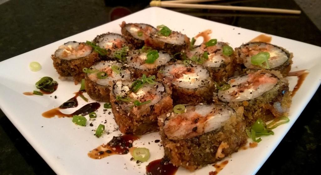 Carioca: 6 rolls de makimono (alga) com salmão e cream cheese, de R$19 por R$10