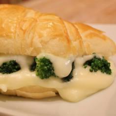 Também tem para os vegetarianos: brócolis, requeijão e mozzarella.