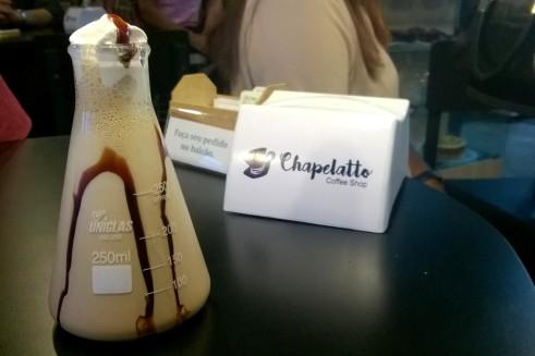 Mescolatto de Ovomaltine 300ml (R$15,50): café, leite, gelo, ovomaltine e chantilly.