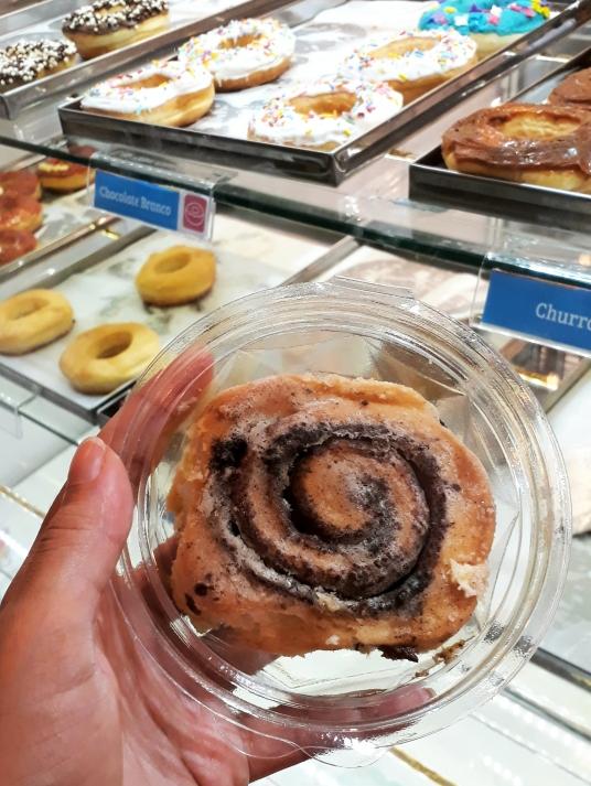 Cinnamon roll da Dream Donuts: poderia ter mais cobertura.