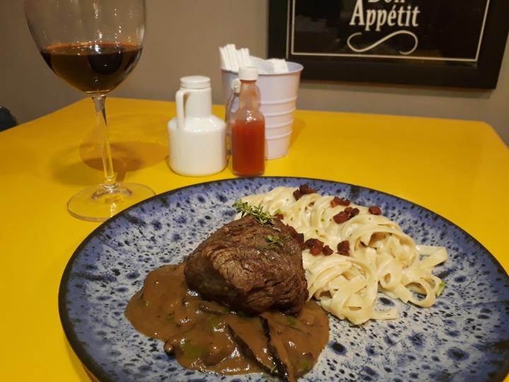Prático Gourmet renova cardápio sem perderpersonalidade