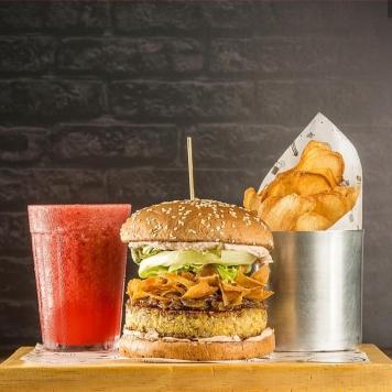 Combo do Goodala Burger.