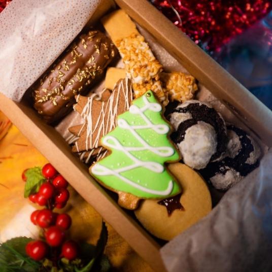 Caixa natalina da La Anfitriona reúne delícias do menu de fim de ano (Foto: Divulgação)